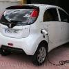 Peugeot Ion electrico cargando