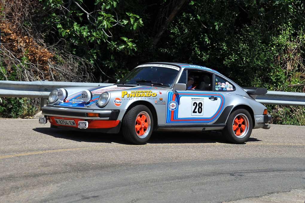 Miguel Pindado y Alberto de Pablo Colmenar con el Porsche 911 SC