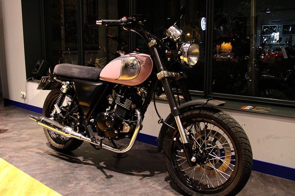 Modelo de moto Mash