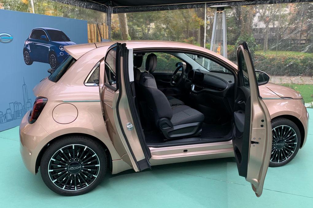 Versión especial con 2 puertas laterales