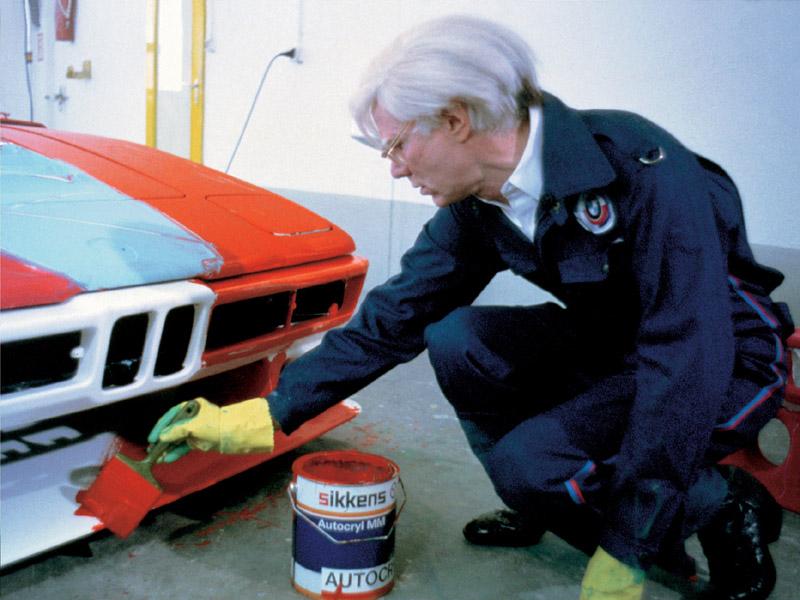 Andy Warhol en 1979 con el BMW M1 grupo 4