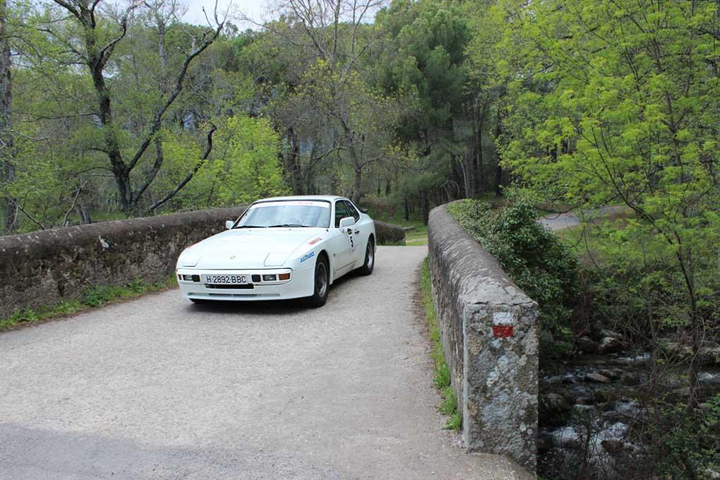 Uno de los Porsche en la III Clásica Entre Valles