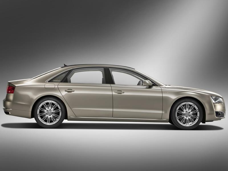 Audi A8 L W12 lateral 2010