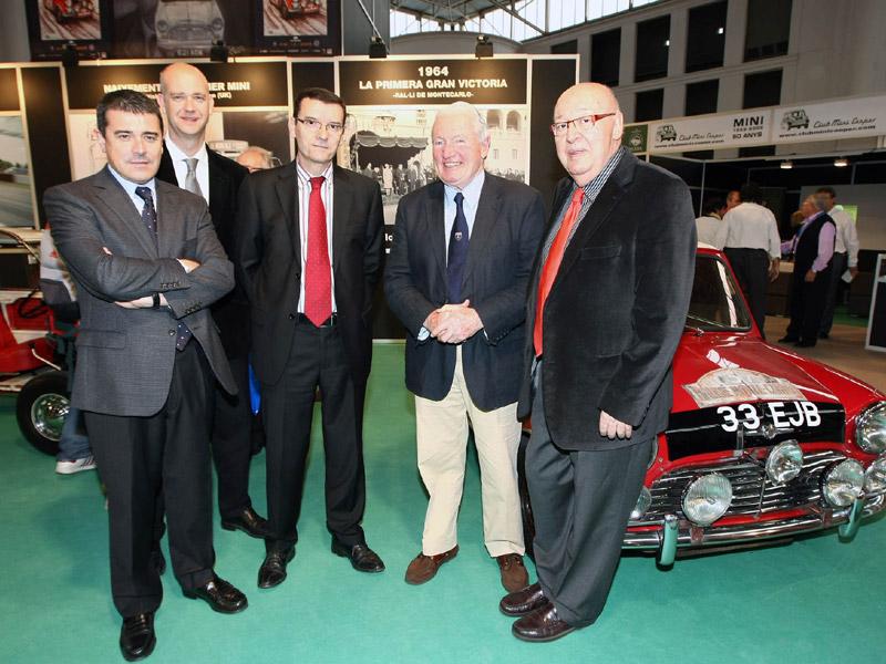 Paddy Hopkirk y los organizadores de Auto Retro
