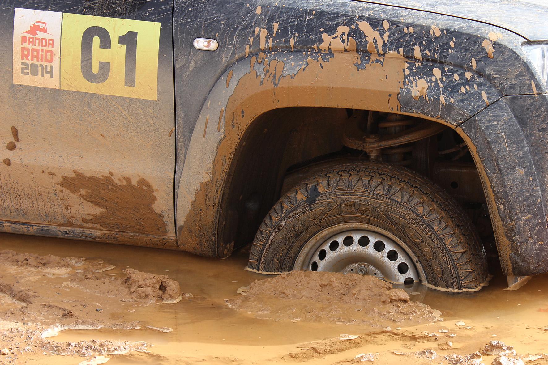 Neumáticos Goodyear Wrangler AT/SA en el barro
