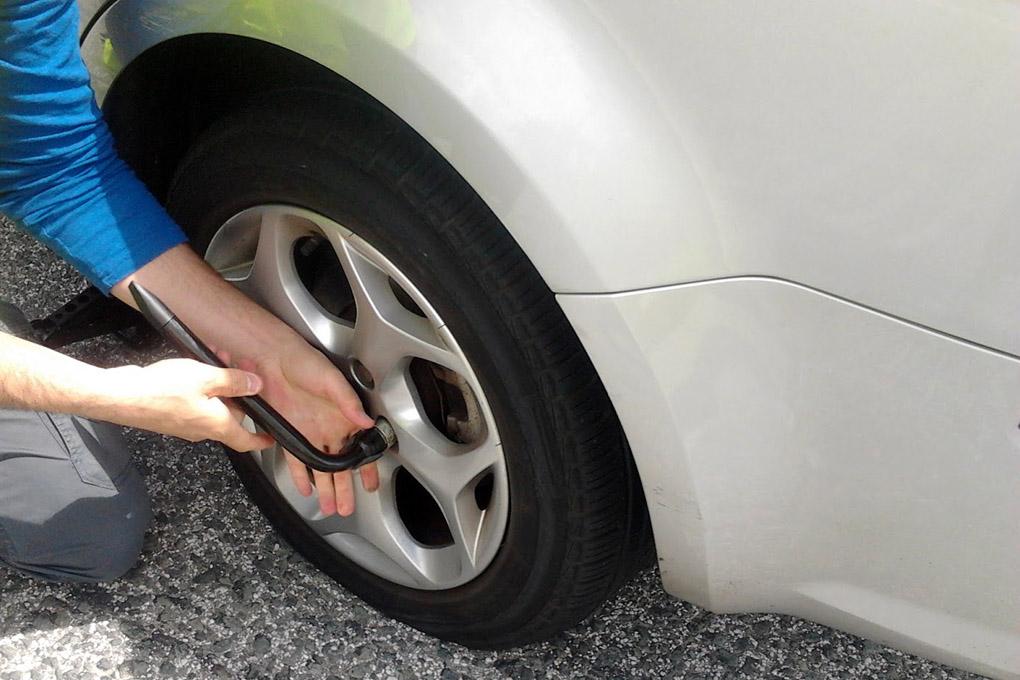 Como cambiar una rueda
