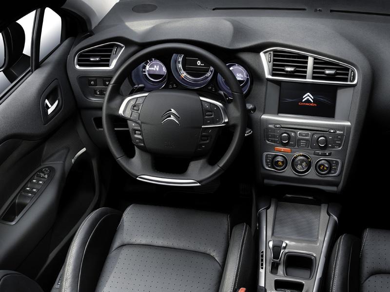 Citroën C4 2010 interior