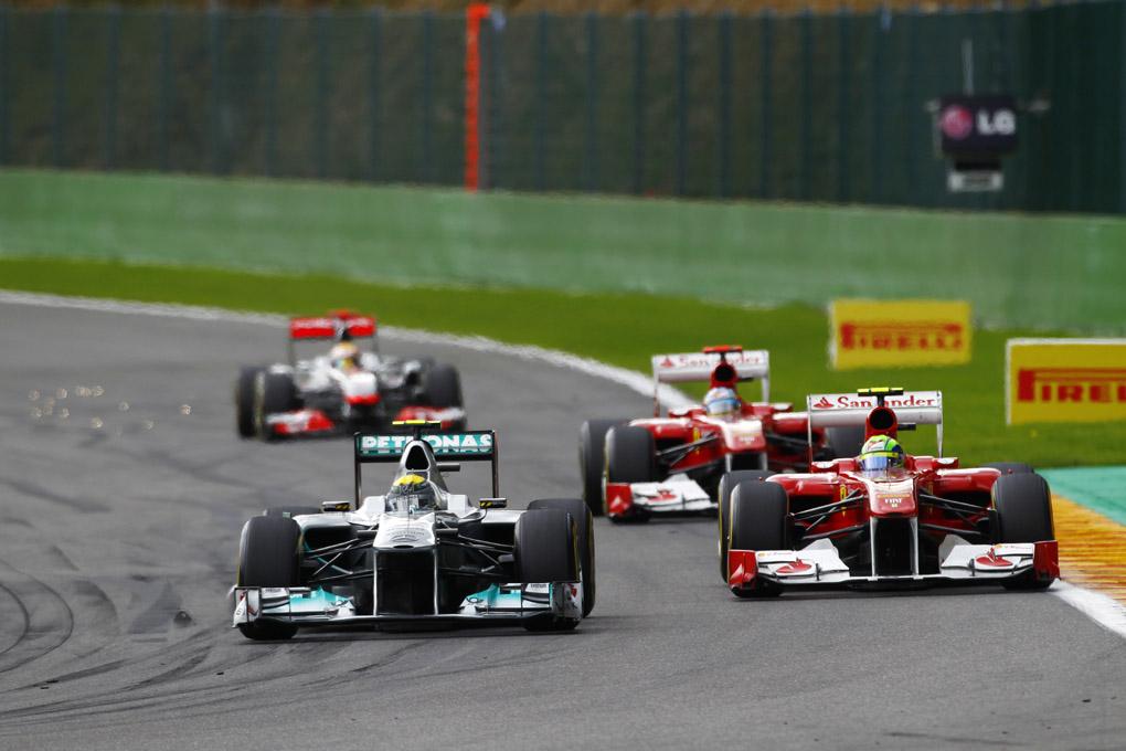 Los dos Ferrari y Rosberg