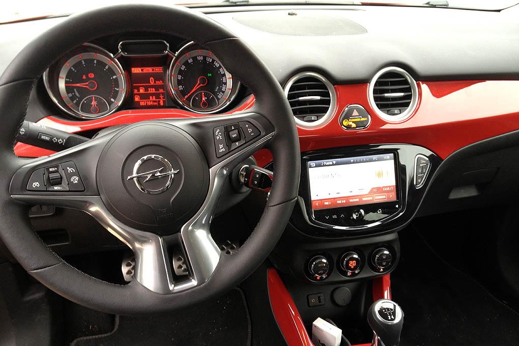 Opel adam 1 4 100 cv auto sprint for Interior opel adam