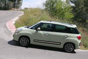 Vista lateral Fiat 500 L