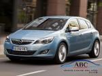 Opel Astra coche del año 2010