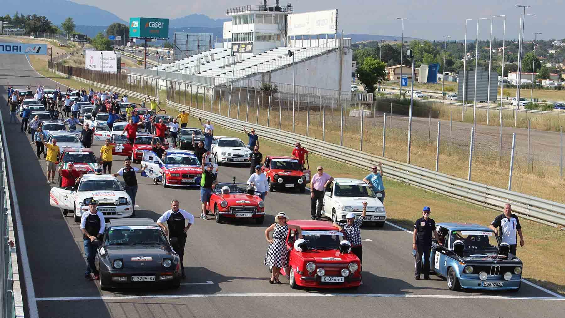 Meta final del III Spain Classic Rally en el Circuito del Jarama