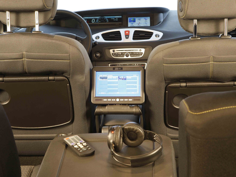 Renault scenic family edition con tdt y dvd auto sprint for Interior renault scenic