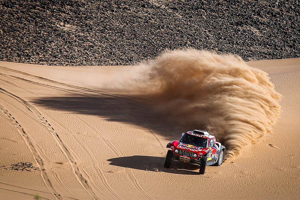 Carlos Sainz vence de nuevo en el Dakar