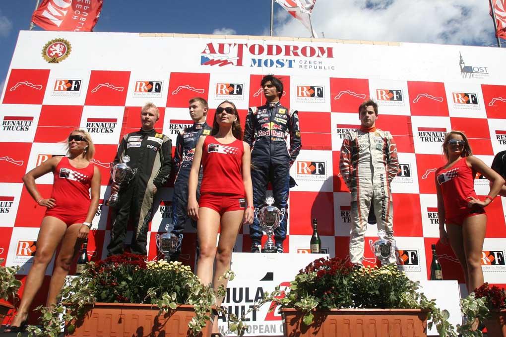 Carlos Sainz podium