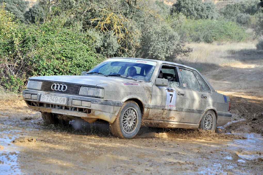 Audi 100 en el Spain Classic Raid