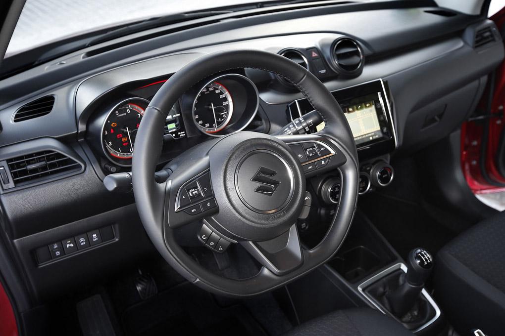 Interior del Suzuki Swift 2020