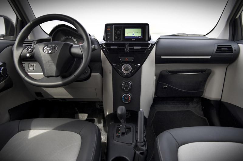 Interior Toyota IQ-S 2011